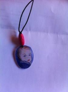 DIY pendentif portrait bébé pour mamie !