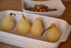 Déposez vos poires dans un plat et laissez-les tiédir.
