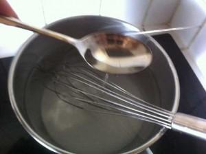 Ajoutez une cuillère à soupe de fleur d'oranger.